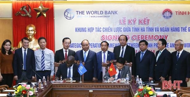 Thủ tướng chứng kiến Hà Tĩnh ký hợp tác chiến lược với Ngân hàng Thế giới