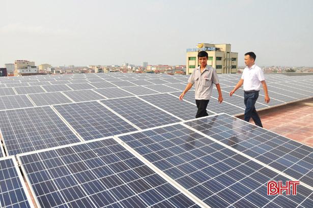 Khách hàng Hà Tĩnh bán gần 20.000 kWh điện mặt trời cho ngành điện