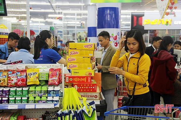 Thị trường Hà Tĩnh Tết Nguyên đán 2020 sôi động, giá cả ổn định