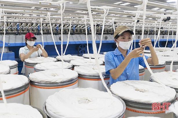 Hà Tĩnh triển khai chính sách về lao động do ảnh hưởng của dịch Covid-19